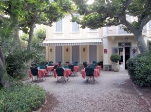 2-b-1-Accueil-hotel-Bon-Abri